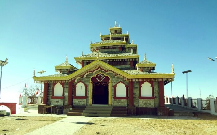 travelogged-26-places-to-visit-dhanaulti-surkanda-devi-temple_image