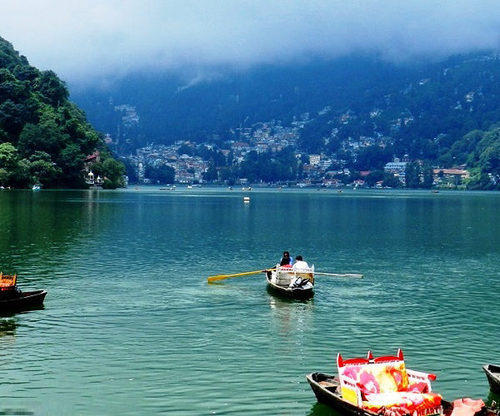 travelogged-26-places-to-visit-dhanaulti-boating_image
