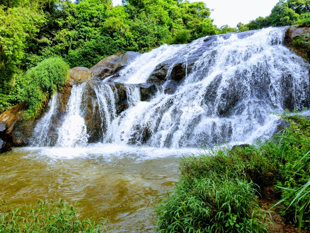 places-visit-coonoor-catherine-falls_image