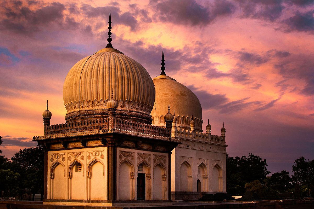 Best_Places_To_Visit_Hyderabad_Qutub_Shahi_Tombs
