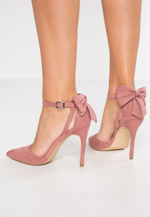 ankle-strap-heels-types-of-heels_image