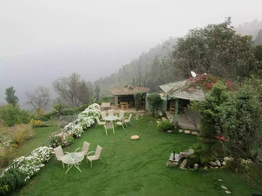 kanatal-uttarakhand-travel-guide-the-terrace-resort-image
