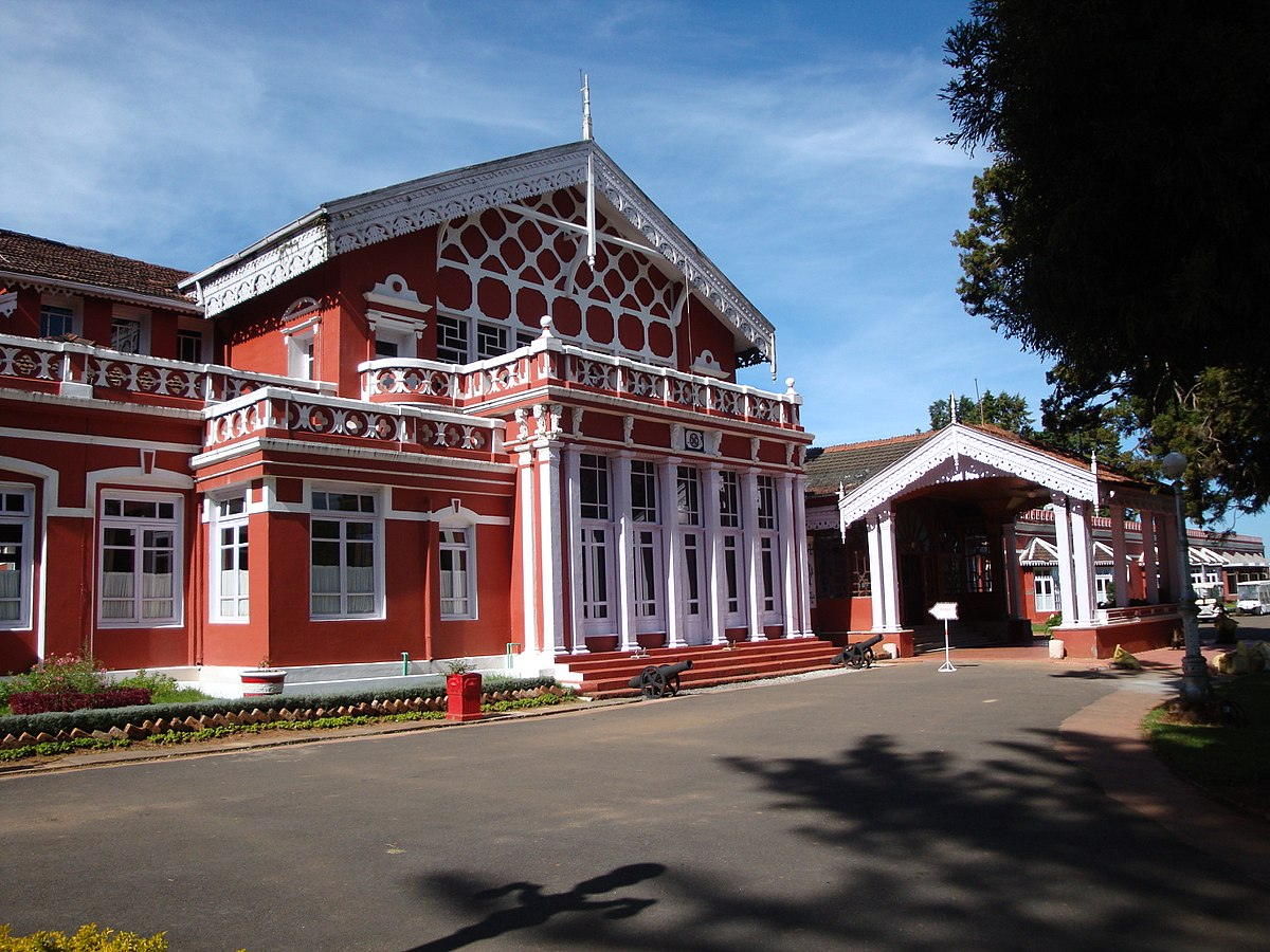 travelogged-18-things-do-ooty-fernhill-palace_image