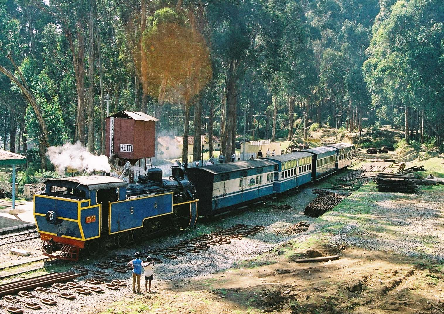 travelogged-18-things-do-ooty-nilgiri-mountain-toy-train_image