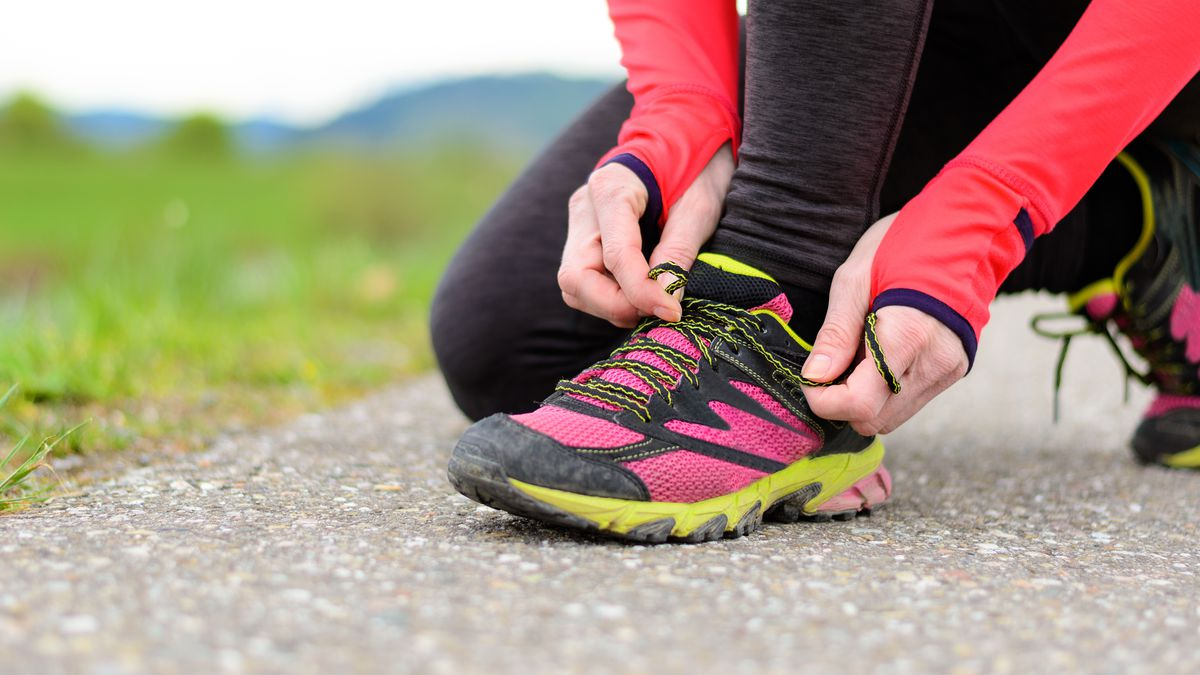 jogging-tips-for-beginners-wear-running-shoes_image