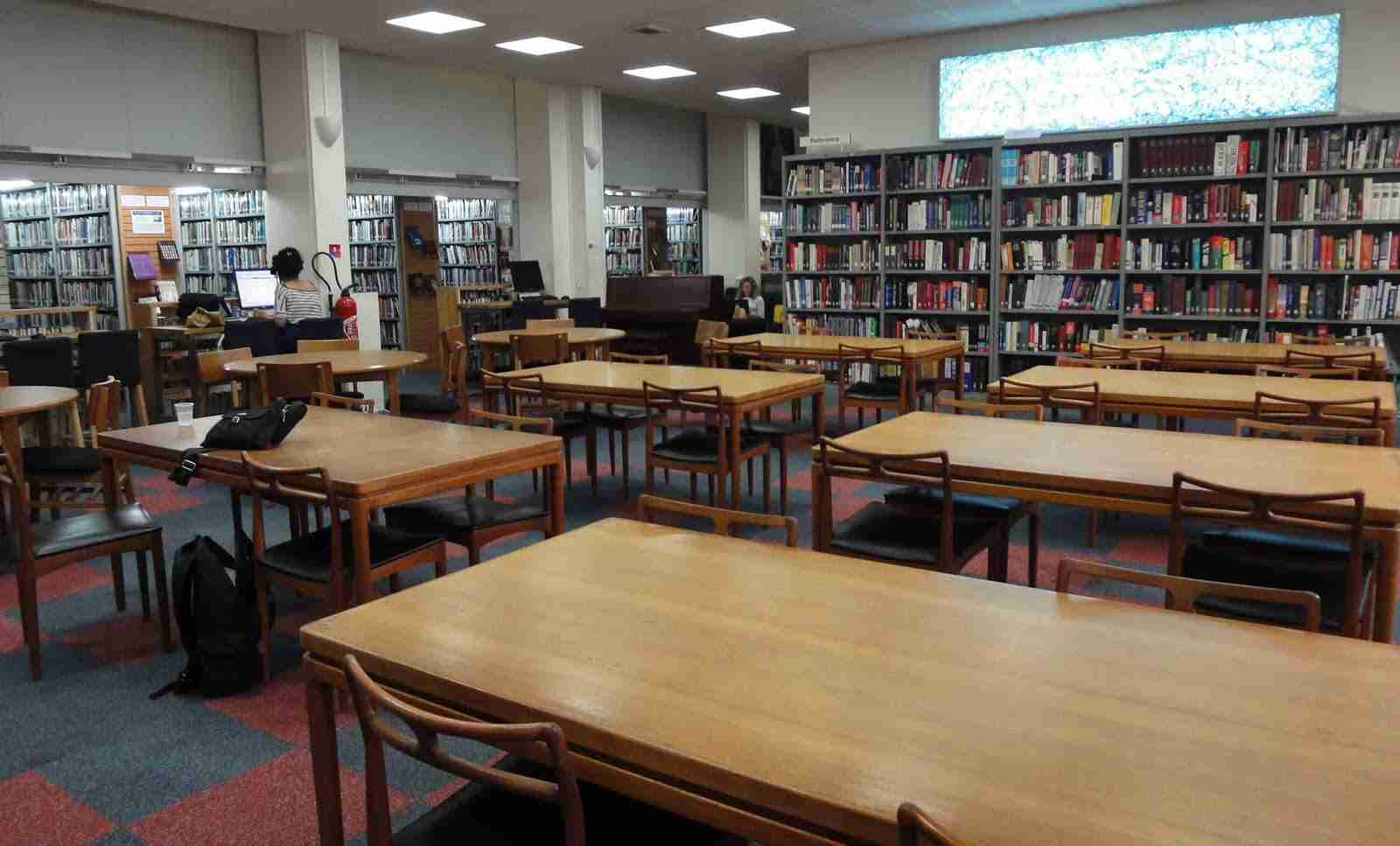 best-libraries-delhi-the-american-library_image