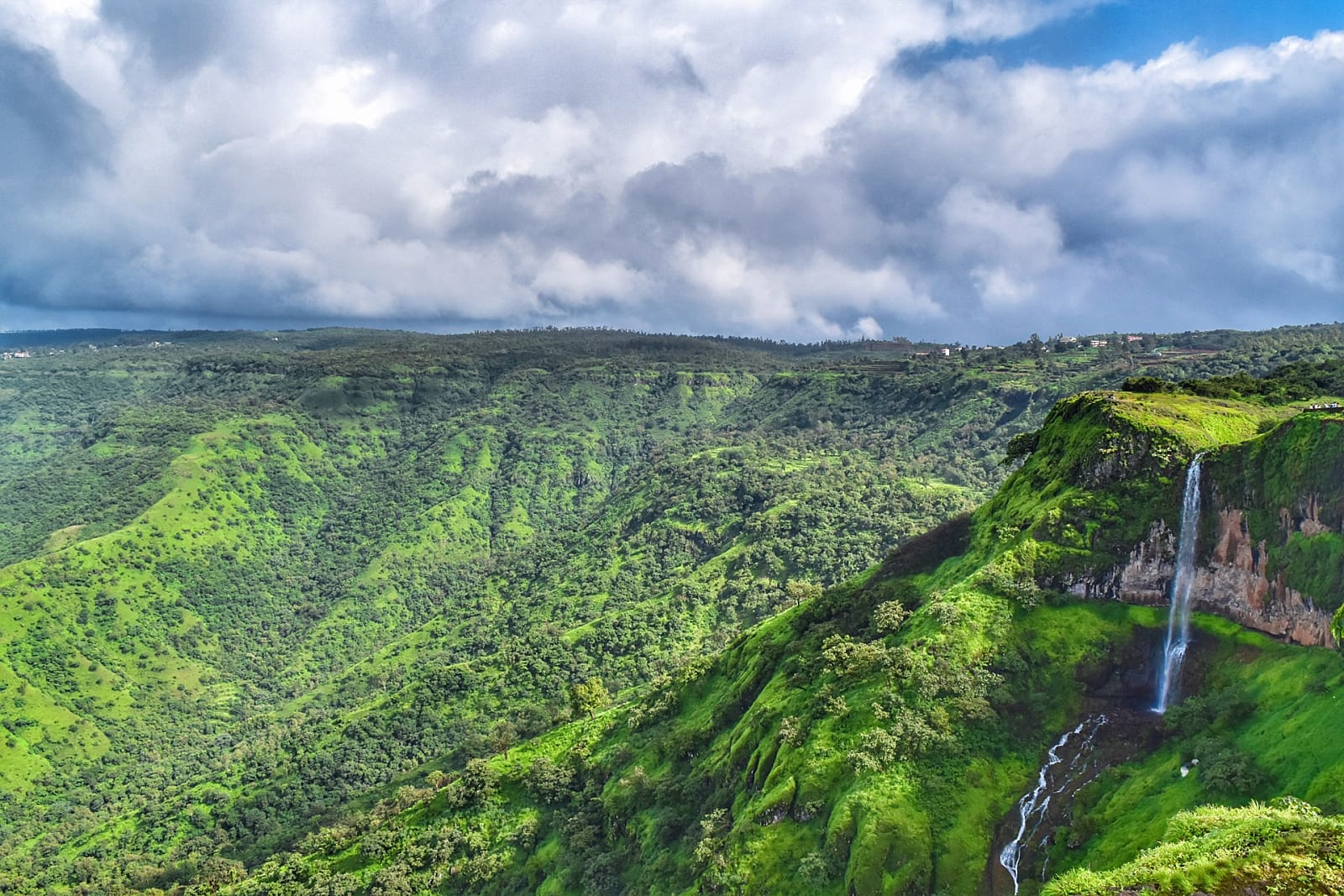 best-places-visit-spring-india-Mahabaleshwar