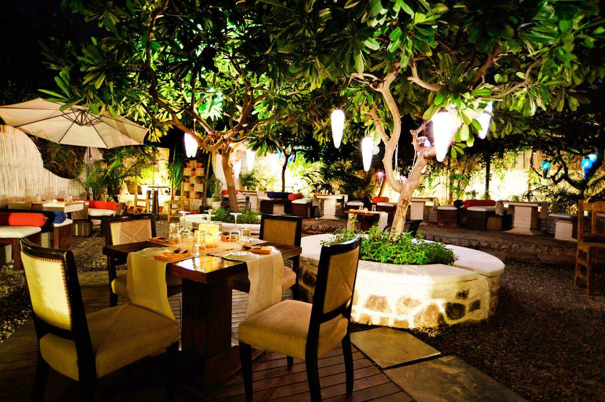 top-outdoor-restaurants-new-delhiFIO Country Kitchen And Bar-image