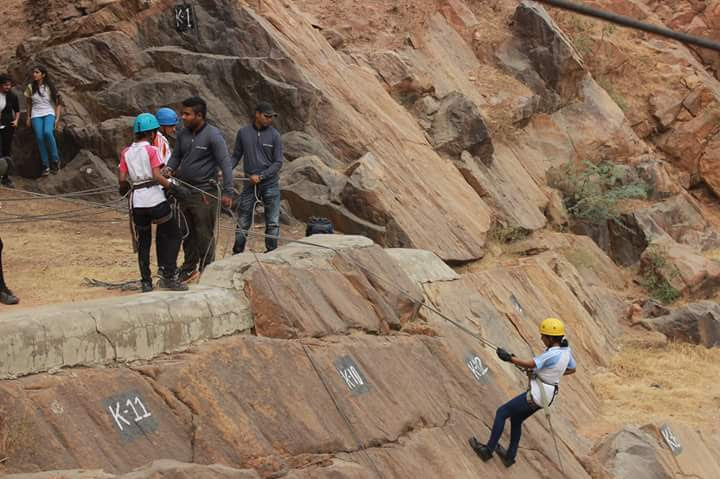 one-day-delhi-experiences-camp-sierra_image