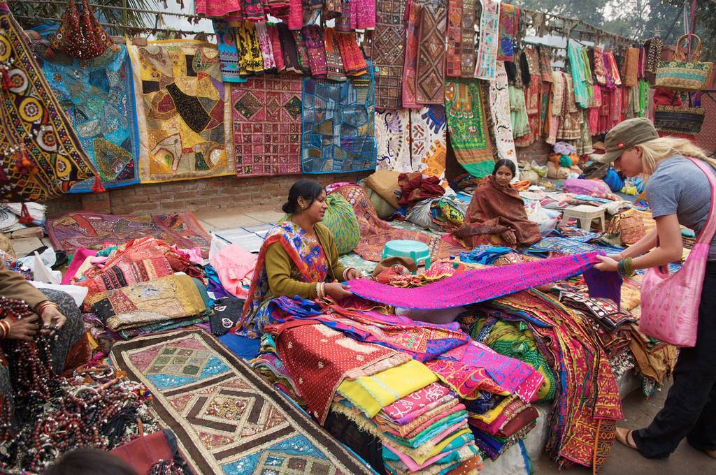 Janpath-best-places-to-visit-in-delhi_image