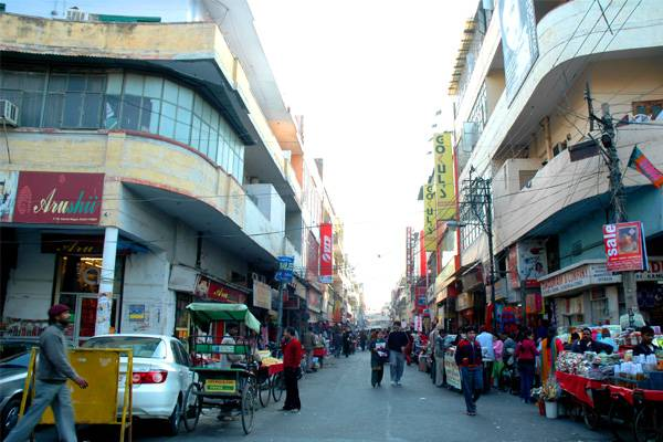 kamla-nagar-market-best-places-to-visit-in-delhi_image