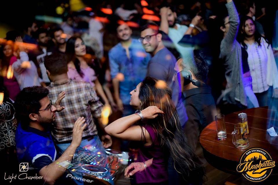 manhattan-brewery-and-exchange-best-clubs-in-gurgaon_image