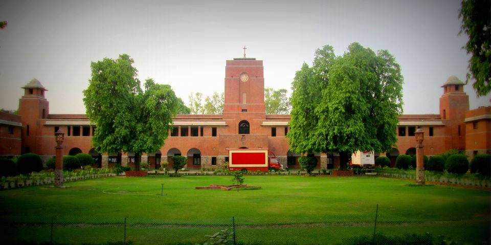 north-campus-best-places-to-visit-in-delhi_image