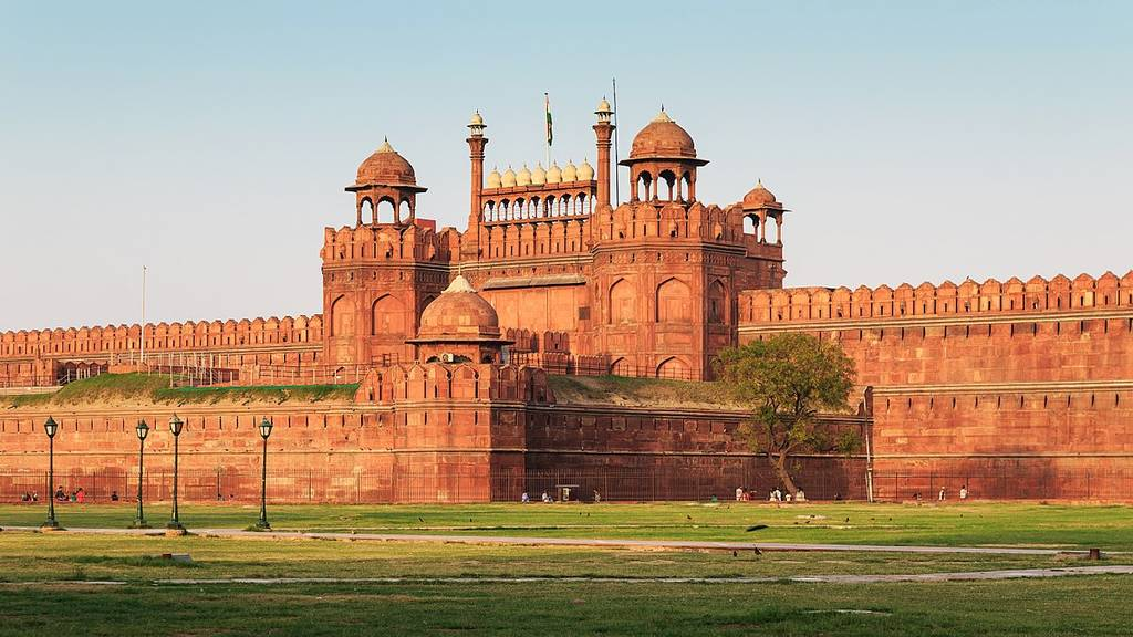 red-fort-best-places-to-visit-in-delhi_image