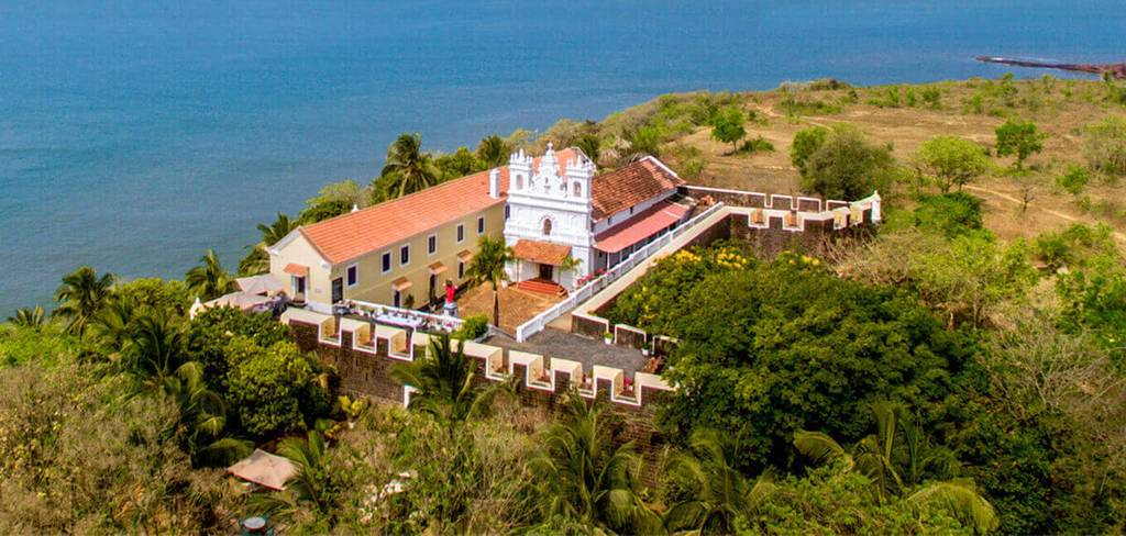 tiracol-fort-places-to-visit-nearby-goa_image
