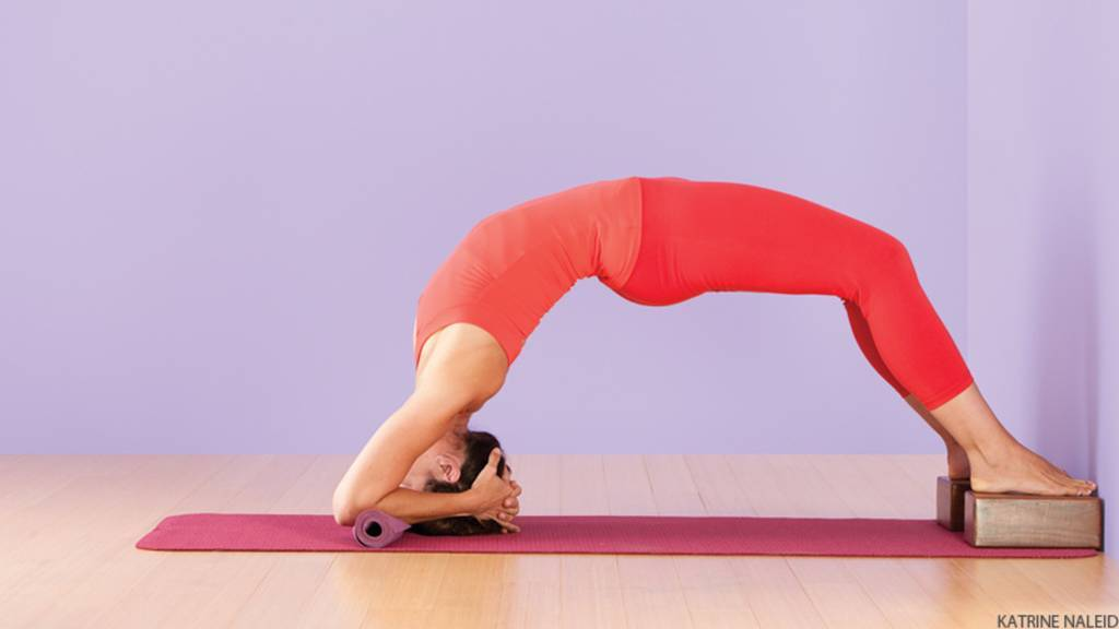benefits-of-yoga-digestive-problems_image