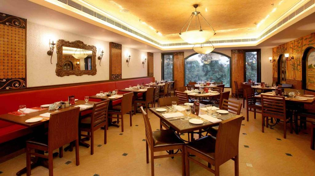 best-restaurants-in-saket-gulati-spice-maret-image