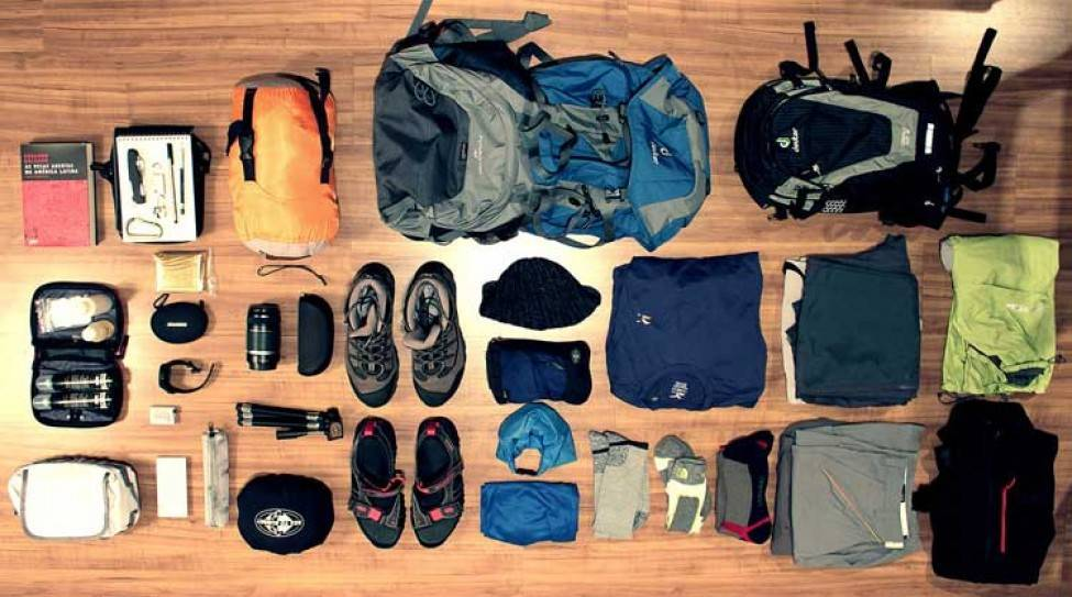 chadar trek essential items_image
