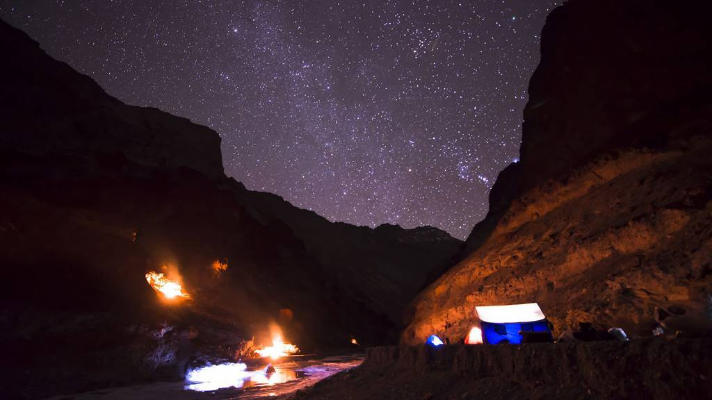chadar trek at night stargazing_image