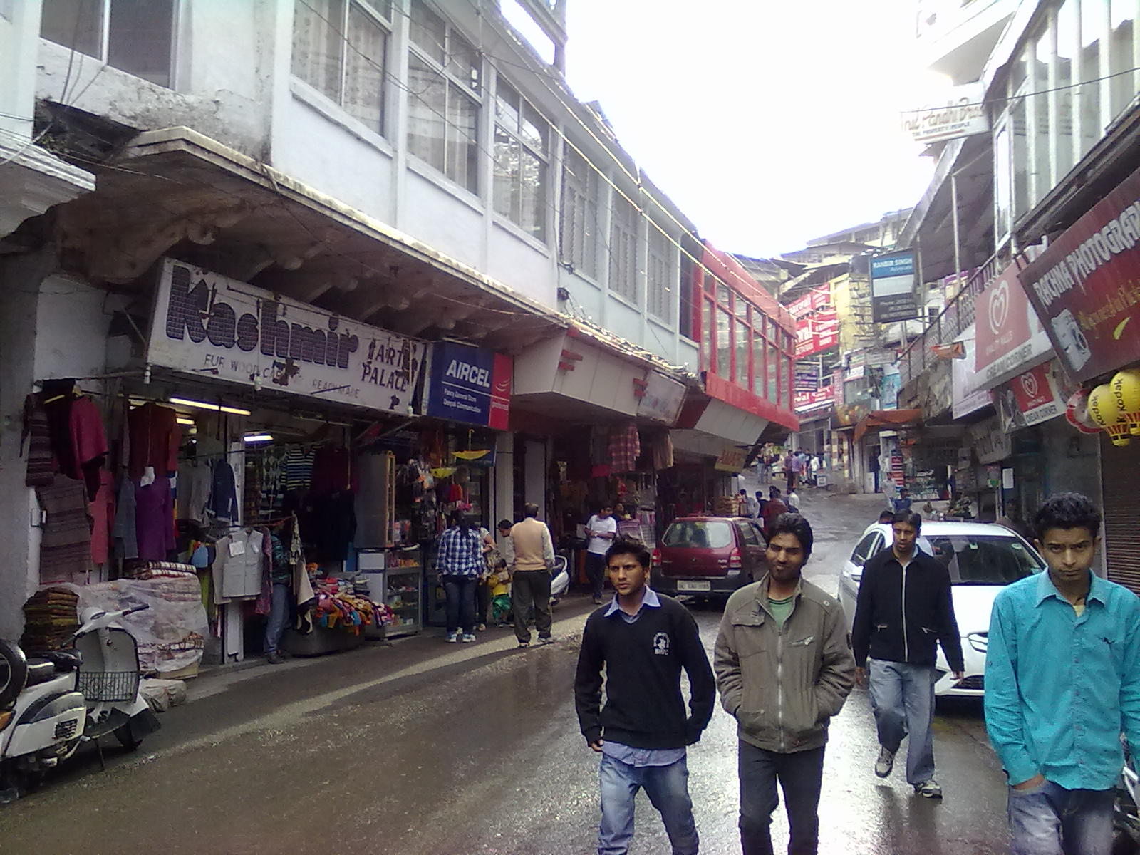 travelogged-9-things-to-do-lansdowne-mall-road-image