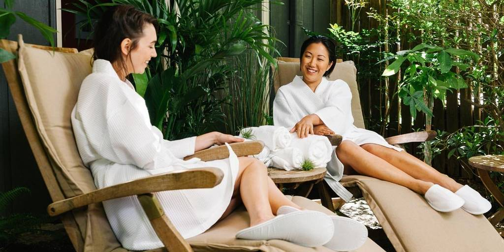 spa robes and slippers_image