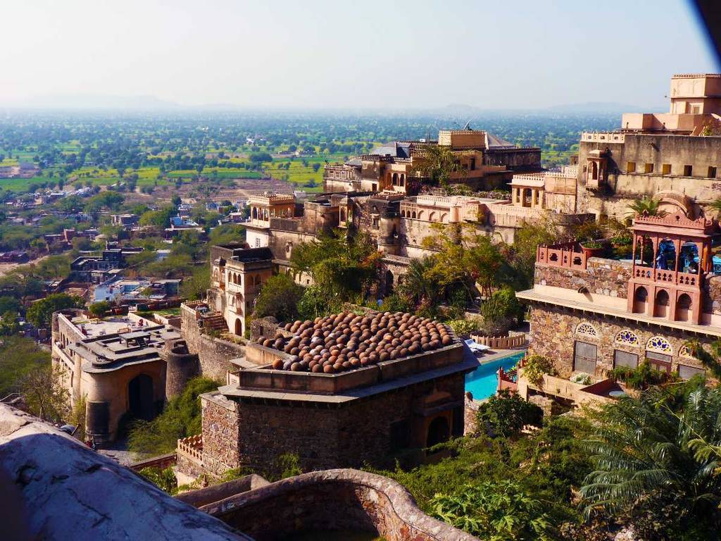travelogged--things-to-do-in-neemrana-image
