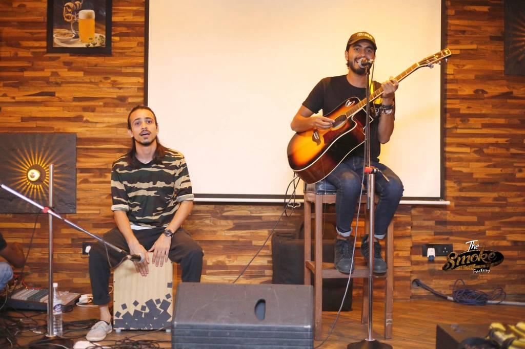 best-gig-places-delhi-ncr-the-smoke-factory-image