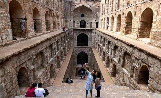 Agarsen-ki-baoli-places-to-visit-in-delhi_image