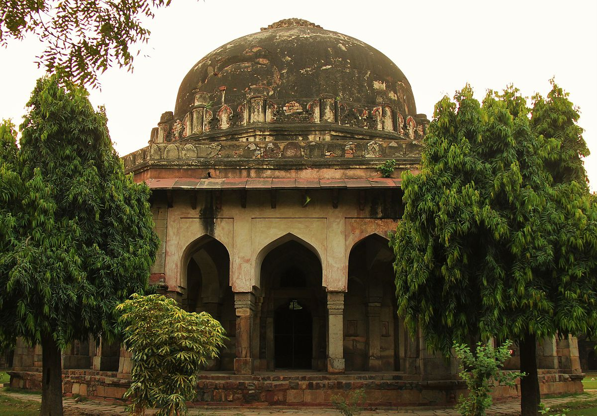 Lodhi-tomb-best-places-to-visit-in-delhi_image