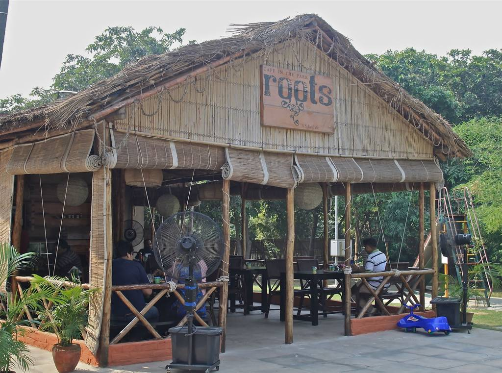 best_breakfast_places_gurgaon_roots_cafe_park_image