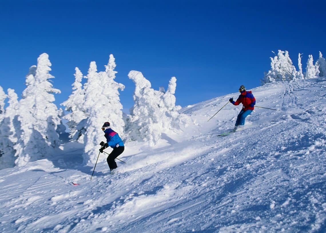 best-thrilling-activities-india-skiing-kufri_image