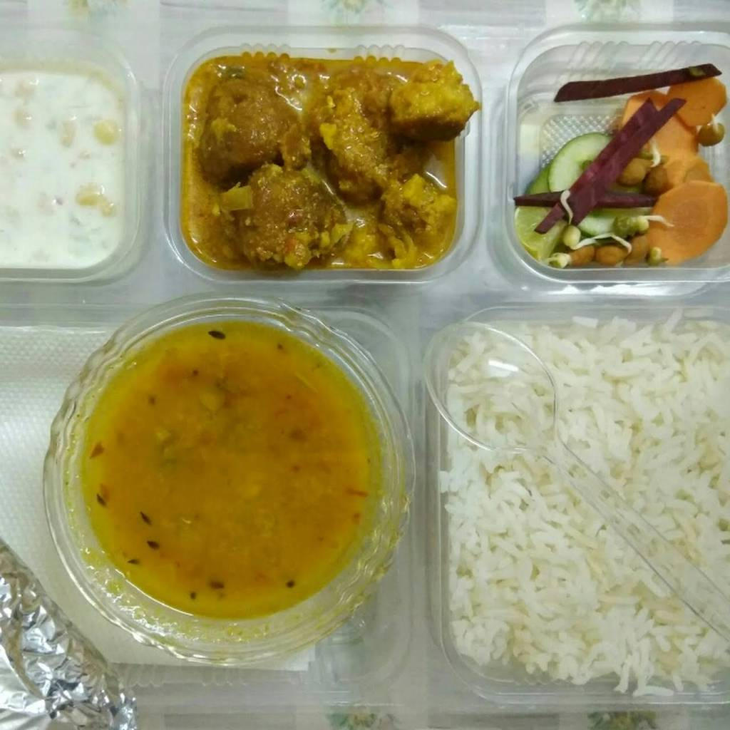 best-tiffin-services-delhi-mother-house-world-tiffin-services-image