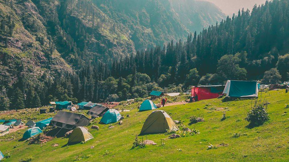 kheerganga buni buni pass trek himachal pradesh in may_image