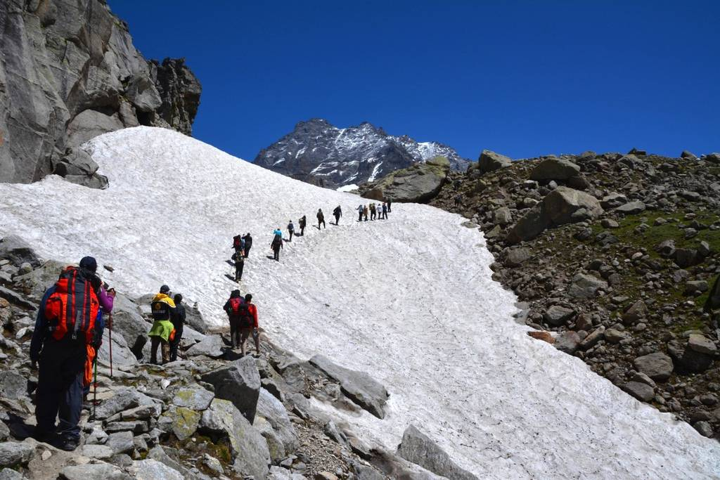 hampta pass trek_image